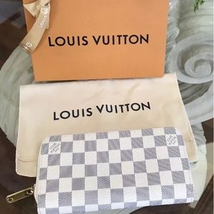 (100% Auth) Louis Vuitton Zippy Organizer